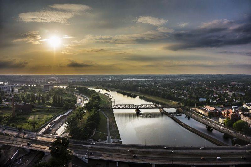Wrocław - panorama miasta od strony rzeki